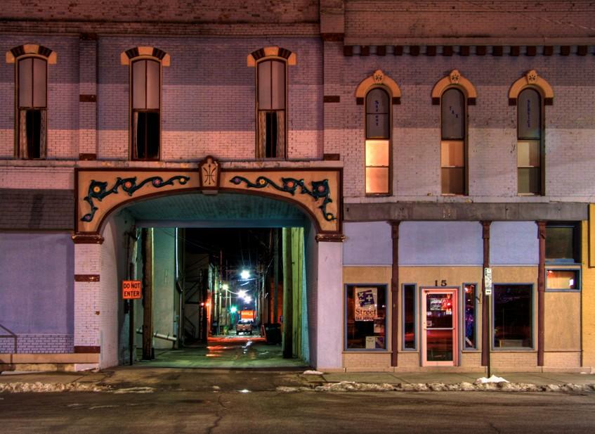 Emporia Alleyway – Nightime