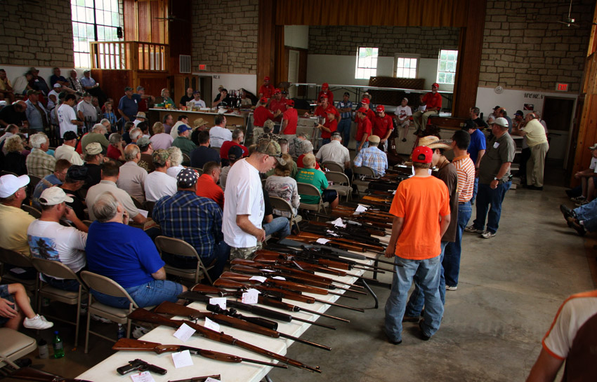 Gun and Knife Auction