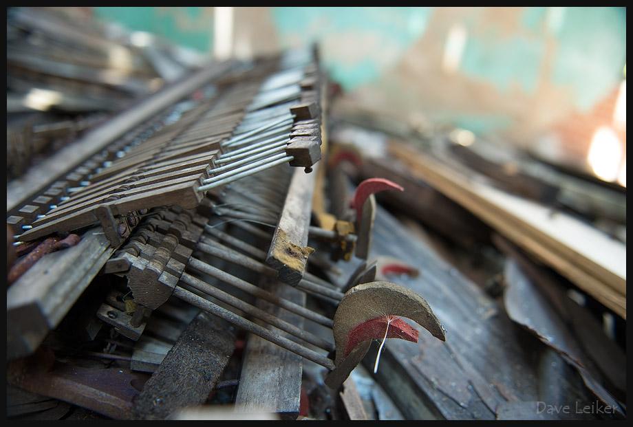 Piano Dissolving – detail – frame 9937